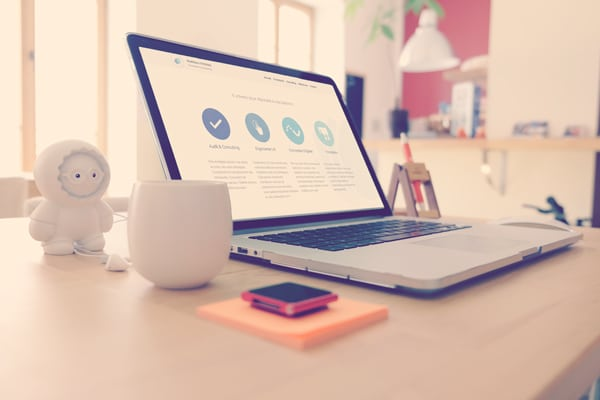 photo d'un mac lors d'une formation marketing digital à lyon
